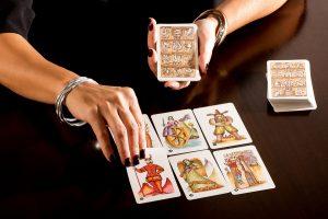 Photo of Cómo elegir el juego de cartas de tarot perfecto